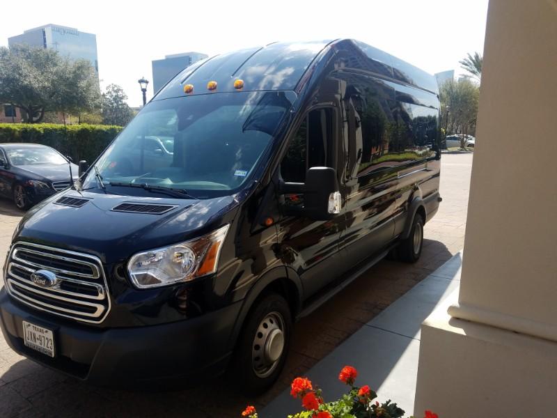 Van Rental Houston >> Houston Van Rental Van Transportation Royal Limo And Town Car
