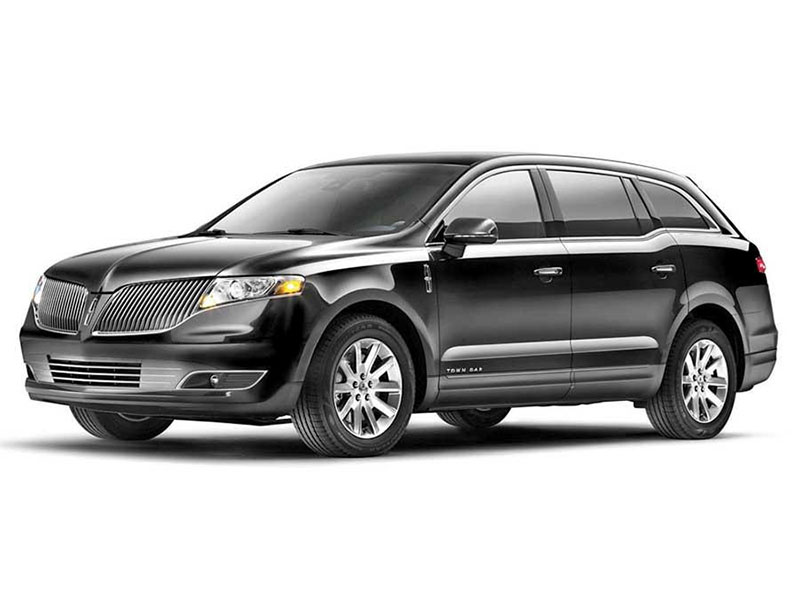 Luxury Lincoln MKT Sedan