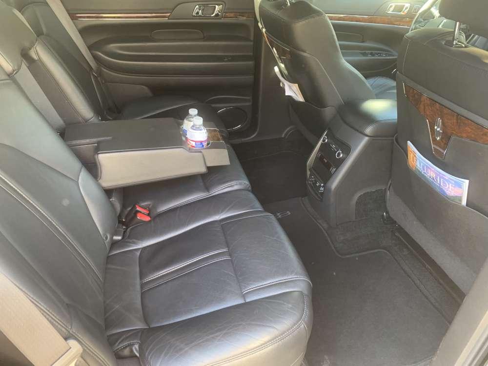 lincoln mkt sedan back seat